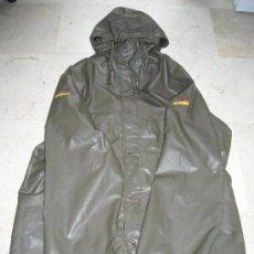 Militaria: CHUBASQUERO EJERCITO ALEMAN. TALLA GRANDE. TODOS LOS MARCAJES . AÑOS 80.. Lote 34060710