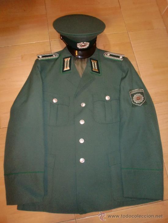 UNIFORME DE POLICIA ALEMAN RDA VOLKSPOLIZEI DDR (Militar - Uniformes Extranjeros )