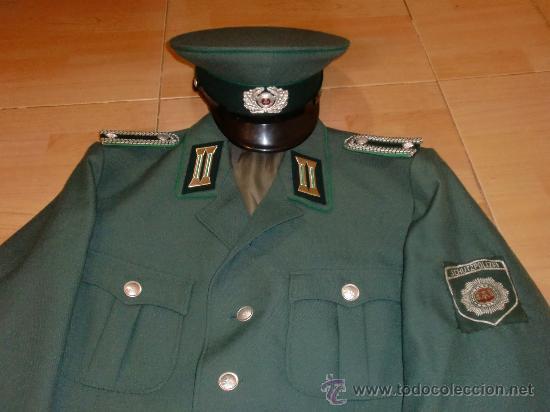 Militaria: UNIFORME DE POLICIA ALEMAN RDA VOLKSPOLIZEI DDR - Foto 2 - 101258843