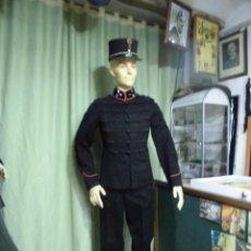 Militaria: MUY ANTIGUO UNIFORME DE OFICIAL DE LAS COLONIAS HOLANDESAS. Lote 53647148
