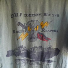 Militaria: CAMISETA MILITAR TALLA L. 2D BATALLÓN 6º MARINES.COMPAÑIA GOLF . RAIDERS RIPERS.. Lote 57452644
