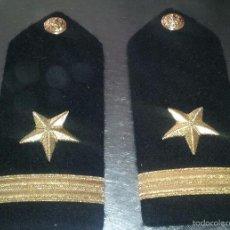 Militaria: USN. US NAVY. PAREJA DE HOMBRERAS RIGIDAS PARA UNIFORME DE GALA DE UN ALFEREZ.. Lote 58218165