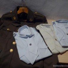 Militaria: UNIFORME DE POLICIA MILITAR DE CROACIA, DE MUJER. GUERRERA Y 3 CAMISA, ORIGINAL. Lote 155642930