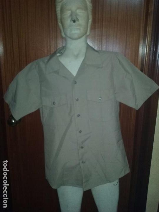 USN. US NAVY. CAMISA CAQUI DE UNIFORME (Militar - Uniformes Extranjeros )
