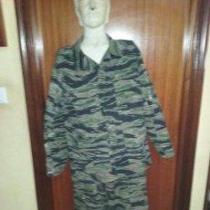 Militaria: UNIFORME DE CAMUFLAJE. BANDAS DE TIGRE.. Lote 71756571