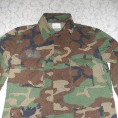 Militaria: AUTÉNTICA CAMISA CHAQUETA CAMUFLAJE US ARMY WOODLAND. Lote 84034140
