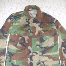 Militaria: AUTÉNTICA CAMISA CHAQUETA CAMUFLAJE US ARMY WOODLAND. Lote 84174024