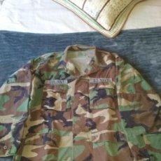 Militaria: USN. US NAVY. CHAQUETA DE UNIFORME WOODLAND. Lote 129976967