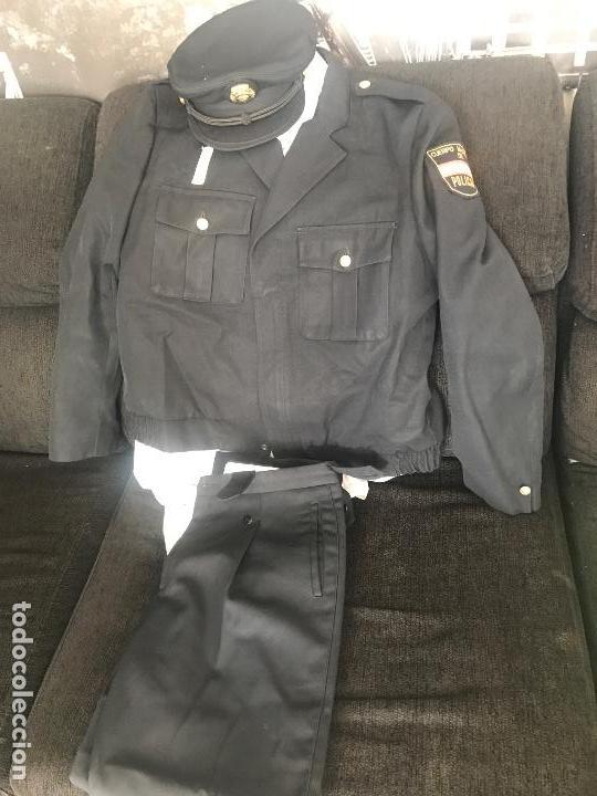 LOTE UNIFORME CNP - POLICIA NACIONAL (Militar - Uniformes Extranjeros )