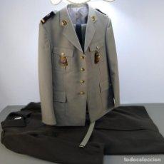 Militaria: UNIFORME MILITAR FRANCÉS VINTAGE CON SU ABRIGO DE LANA , ÁFRICA.. Lote 110255923