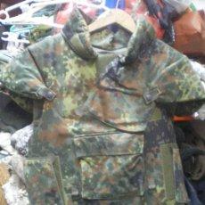 Militaria: CHALECO ANTIFRAGMENTACION ALEMAN CON PLACAS. Lote 112010863