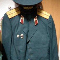 Militaria: UNIFORME DEL EJERCITO RUSO COMPLETO, CHAQUETA, PANTALON Y GORRA, EN PERFECTAS CONDICIONES. Lote 122083535