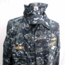 Militaria: UNIFORME DE UN CAPITAN DE LA US NAVY, GUERRERA, PANTALÓN Y GORRA. Lote 124391503