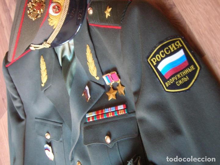 EXCEPCIONAL UNIFORME COMPLETO DE GENERAL RUSO. RUSIA AÑOS 90. FEDERACIÓN RUSA. (Militar - Uniformes Extranjeros )