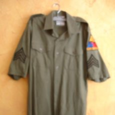 Militaria: CAMISA SARGENTO 2º DE BLINDADOS US ARMY. Lote 145905850