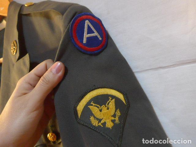 Militaria: Antigua guerrera americana de oficial, original, con sus parches. Estados Unidos. guerra vietnam. - Foto 3 - 147653202