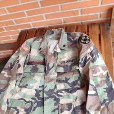 Militaria: GUERRERA CAMISOLA U.S CAMUFLAJE WOODLAND PARCHES DE ORIGEN.. Lote 151653982