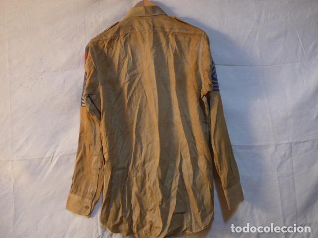 Militaria: Antigua camisa americana de oficial, original, con sus parches. Estados Unidos. II guerra o vietnam? - Foto 13 - 160731762