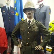 Militaria: UNIFORME CORONEL POLICIA SUDAFRICA CASCO CON PLACA, GUERRERA PANTALON, INSIGNIAS. Lote 170029528