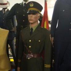 Militaria: UNIFORME POLICIA NACIONAL CHINA,CAMISA, GUERRERA, HEBILLA PANTALÓN CINTO, PARCHES, GORRA CON PLACA. Lote 170030420