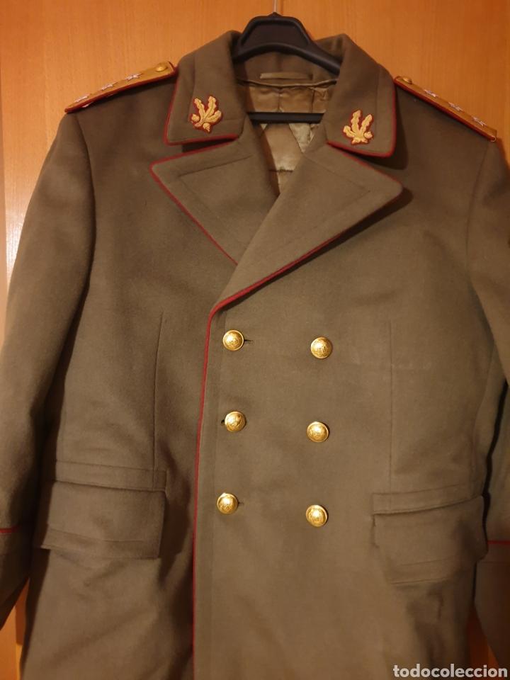 ABRIGO, TRES CUARTOS, CAPOTE MILITAR EJERCITO DE RUMANIA. CON GALONES. ÉPOCA COMUNISTA. CORONEL. (Militar - Uniformes Extranjeros )