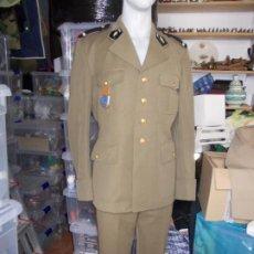 Militaria: UNIFORME FRANCÉS DE 1973 CON PEPITO BUEN ESTADO. Lote 187589993
