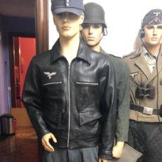 Militaria: UNIFORME COMPLETO DE PILOTO ALEMAN DE LA LUFTWAFFE CONSTA DE GUERRERA DE VUELO+PANTALON+GORRA+BOTAS. Lote 206493098