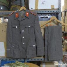 Militaria: ANTIGUA GUERRERA Y PANTALON DE PARACAIDISTA ALEMAN DE LA DDR ALEMANIA COMUNISTA, ORIGINAL, AVIACION. Lote 207027063