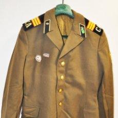 Militaria: CHAQUETA MILITAR SOVIETICA CON INSIGNIAS 4.URSS. Lote 214298197