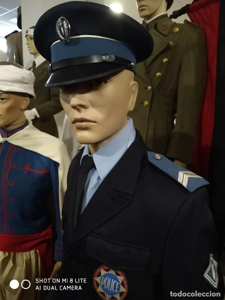 Militaria: Uniforme completo de policia CRS frances . Con insignia placa pepito gorra y hombreras Francia - Foto 2 - 247811750