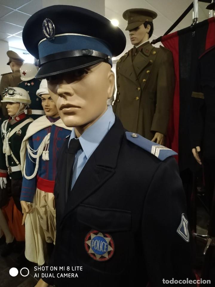 Militaria: Uniforme completo de policia CRS frances . Con insignia placa pepito gorra y hombreras Francia - Foto 3 - 247811750