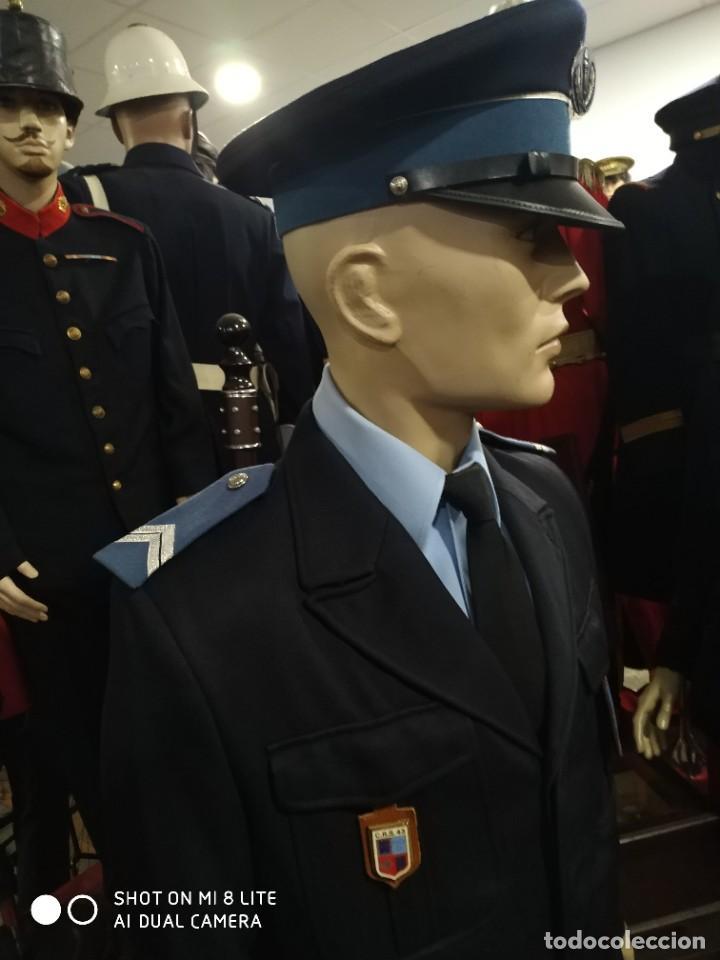 Militaria: Uniforme completo de policia CRS frances . Con insignia placa pepito gorra y hombreras Francia - Foto 4 - 247811750