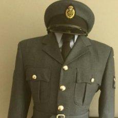 Militaria: UNIFORME DE LA RAF CON GORRA. Lote 266784859