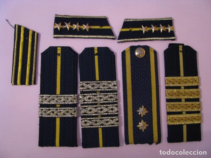 LOTE DE PARCHES DE SOLAPAS Y HOMBRERAS. UNIFORME DE POLICÍA ADUANERA, ADUANAS DE REPÚBLICA ARMENIA. (Militar - Uniformes Internacionales)