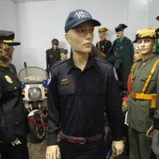 Militaria: UNIFORME POLICIA ABILENE ESTADOIS UNIDOS DE AMERICA . PANTALON, CAMISA CON PARCHES GORRA PARCHE. Lote 277499408