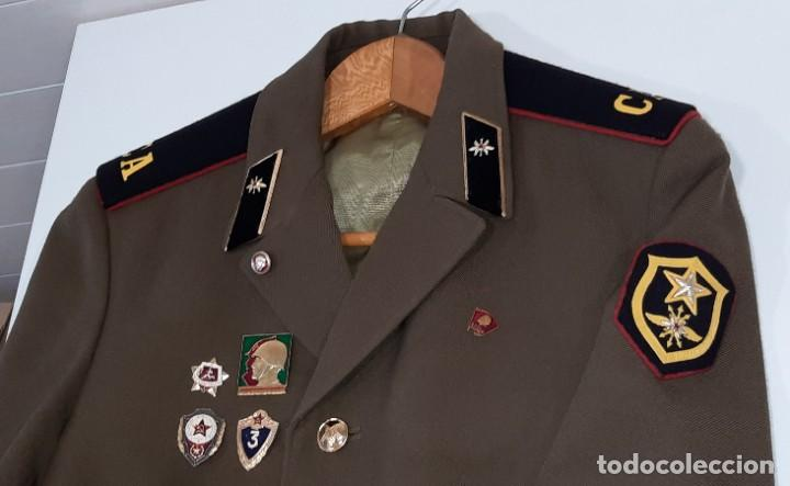 Militaria: ANTIGUA CHAQUETA MILITAR DE OFICIAL RUSA, SOVIETICA, URSS, CCCP, CON INSIGNIAS - AÑOS 80 - Foto 2 - 286526708