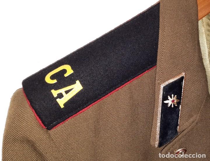 Militaria: ANTIGUA CHAQUETA MILITAR DE OFICIAL RUSA, SOVIETICA, URSS, CCCP, CON INSIGNIAS - AÑOS 80 - Foto 4 - 286526708