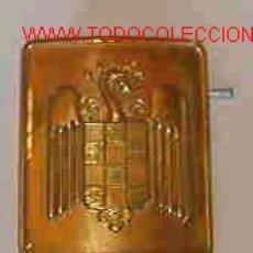 Militaria: CHAPA DE CINTURÓN DEL S.E.U. DORADA (CISNE). Lote 2401245