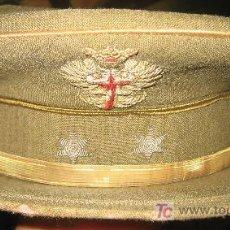 Militaria: GORRA DE TENIENTE, ÉPOCA DE FRANCO. Lote 3204993
