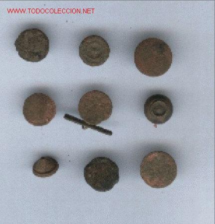 LOTE DE 9 BOTONES ANTIGUOS (Militar - Botones )