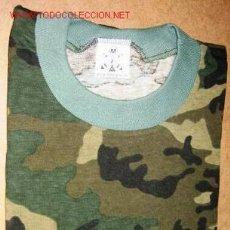 Militaria: CAMISETA DE CAMUFLAJE. TALLA M. NUEVA.. Lote 2838063