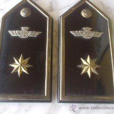 Militaria: AVIACION, DOS PALAS DEL E. DEL AIRE, AÑOS 38-46. Lote 27526528