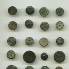 Military - Lote de 24 botones antiguos - 26896611