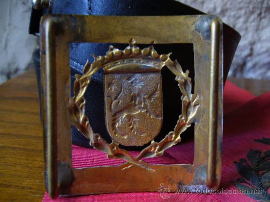 Militaria: Cinturón, hebilla de gala y banda bordada de la policia municipal de Zaragoza época Franco - Foto 3 - 26736994