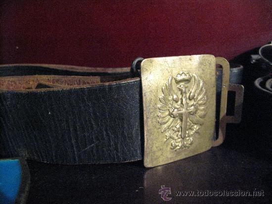 CINTURÓN DE CUERO CON HEBILLA METÁLICA DEL EJERCITO ESPAÑOL (Militar - Cinturones y Hebillas )