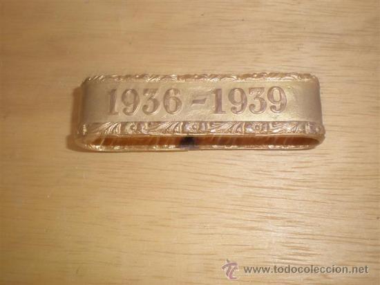 HEBILLA BAÑADO EN ORO VIEJO AÑO 1936-39 (Militar - Cinturones y Hebillas )