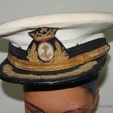 Militaria: ANTIGUA GORRA DE MARINA - OFICIAL - EPOCA DE FRANCO - MIDE 52 CMS. DE PERIMETRO INTERIOR. Lote 26947813