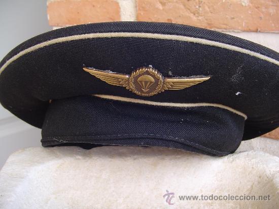 Militaria: Gorra militar de la marina con insignia metálica paracaidista. Ejército. - Foto 4 - 26479089