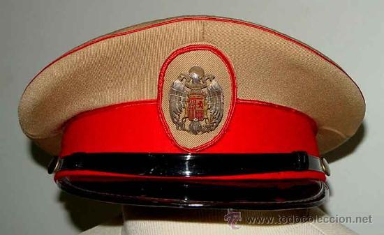 ANTIGUA GORRA DEL REGIMIENTO DE LA GUARDIA DE S.E. EL JEFE DEL ESTADO (FRANCISCO FRANCO) - FABRICADA (Militar - Boinas y Gorras )