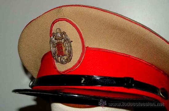 Militaria: Antigua gorra del Regimiento de la Guardia de S.E. El Jefe del Estado (Francisco Franco) - fabricada - Foto 8 - 27512211